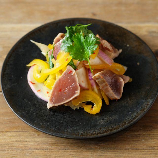 鰹とかぶのピリ辛豆板醤サラダ