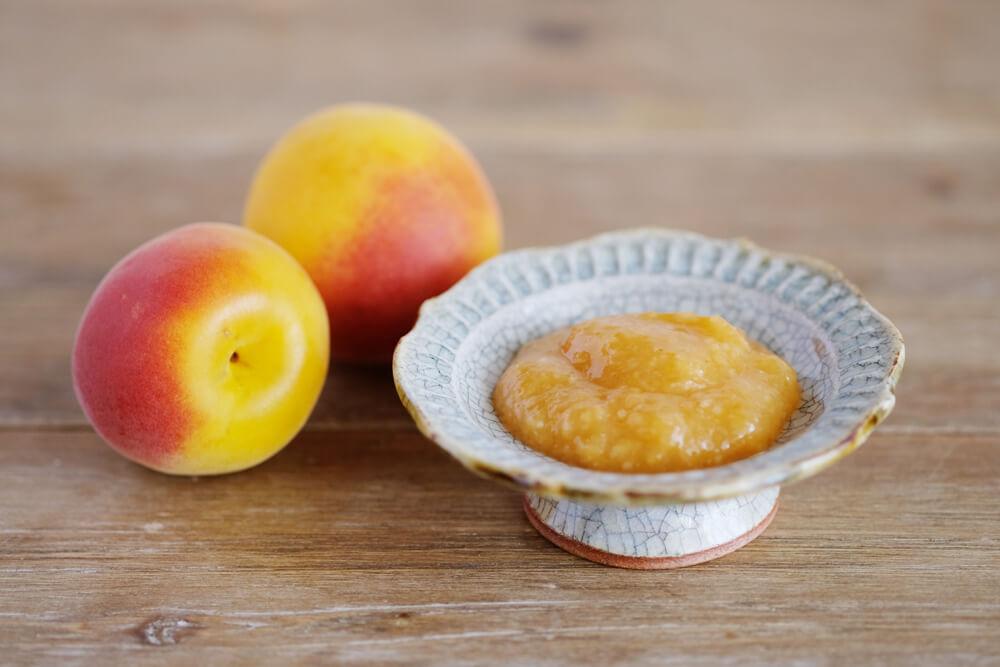 煮詰めてつくる、完熟梅のフルーティー梅味噌