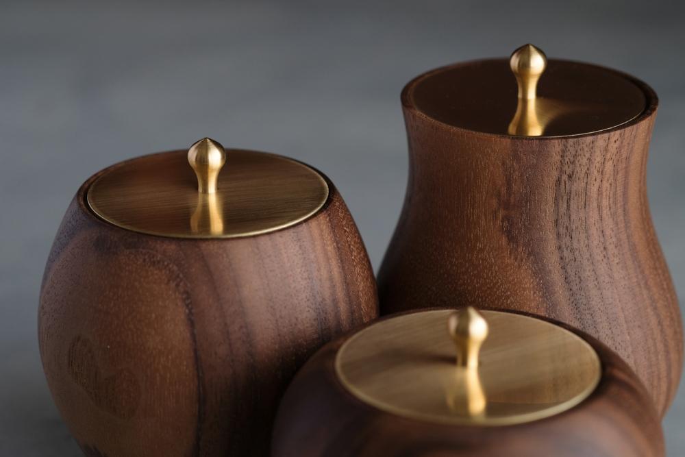 【ウォルナット】真鍮蓋の小物入れ|type-B